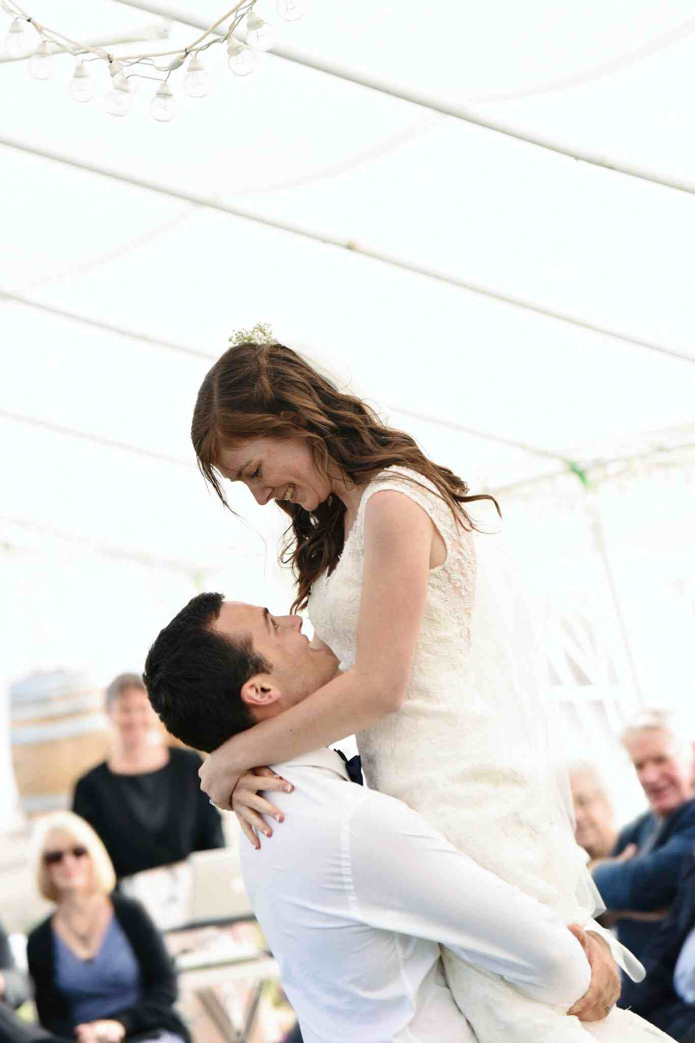 Wedding Song Tips: 3 Tips to Choosing your wedding dance song, Adelaide Wedding Dance Lessons